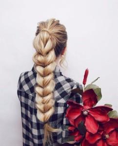 Прическа с широкой косой